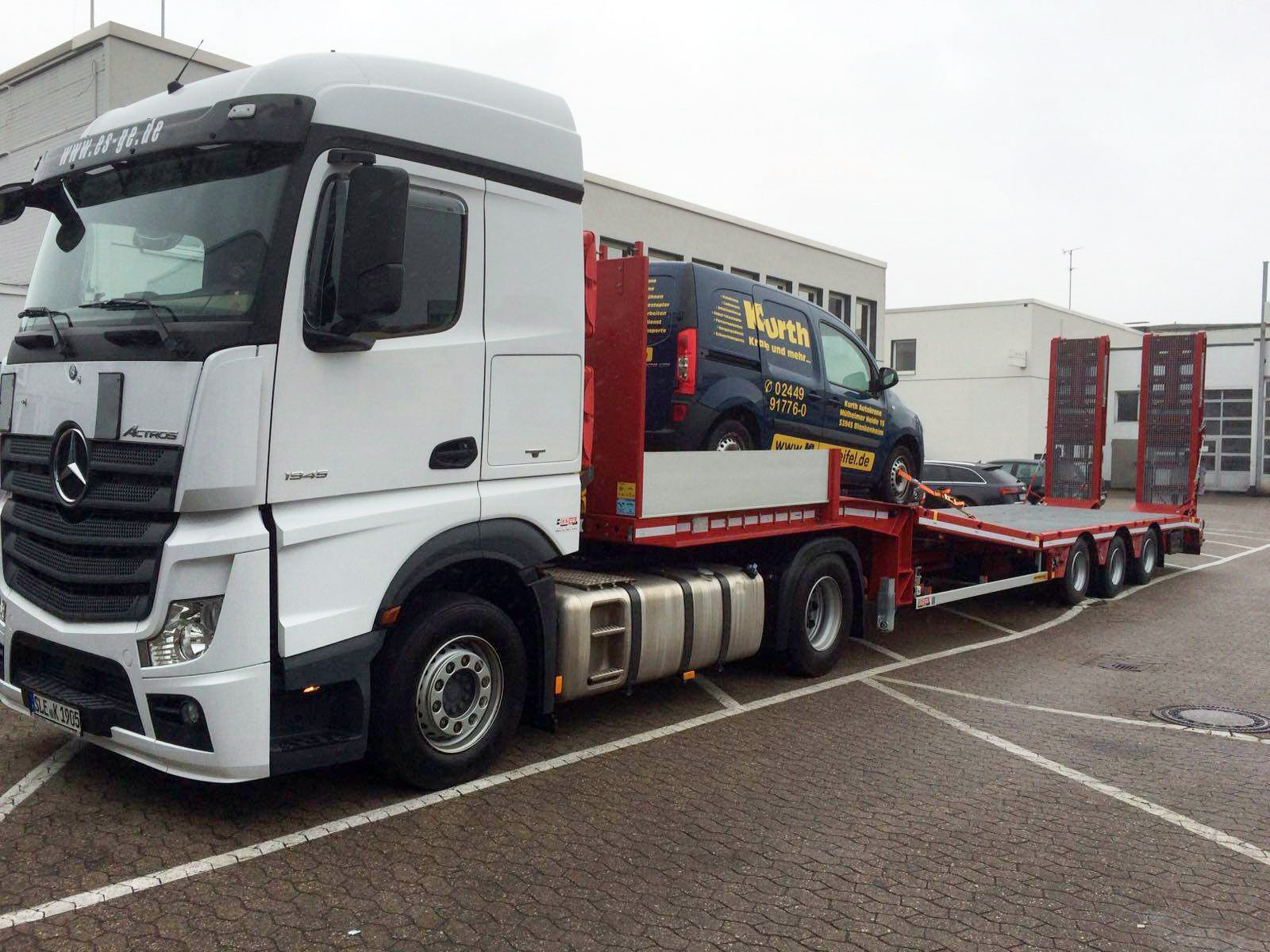 MB Actros mit Faymonville Tieflader