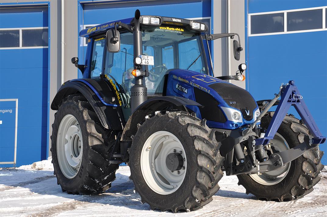 Kurth Autokrane GmbH & Co. KG – Abschleppen & Bergen: Traktor VALTRA N 103 H3 (112PS) 40KM