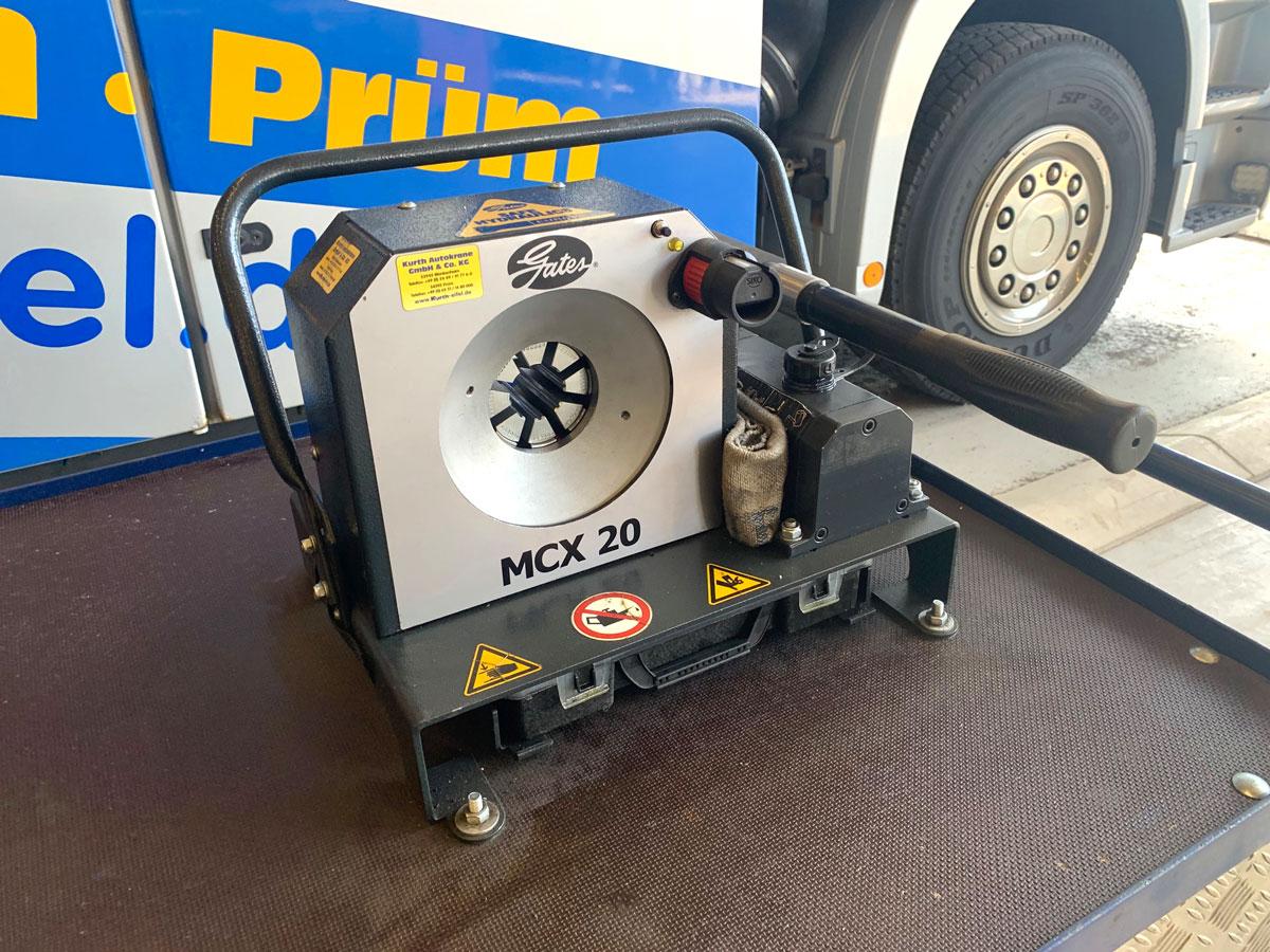 Kurth Autokrane – Bei defekter Hydraulik sofort vor Ort: Mit unserem mobilen Hydraulikservice minimieren wir Ihre Ausfallzeiten