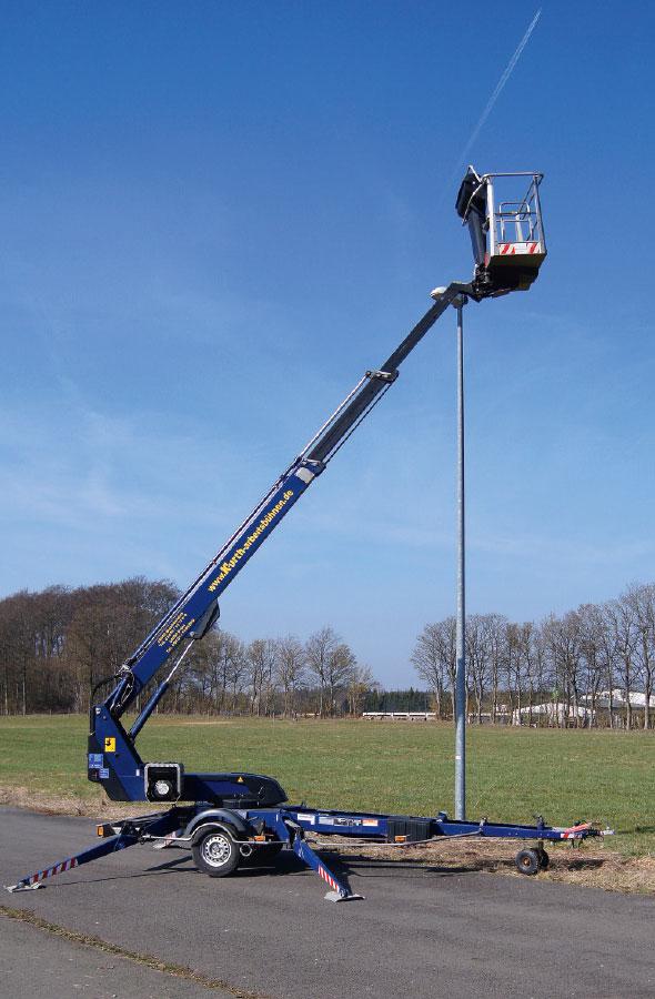 Kurth Autokrane GmbH & Co. KG | Anhänger-Arbeitsbühne AHB150