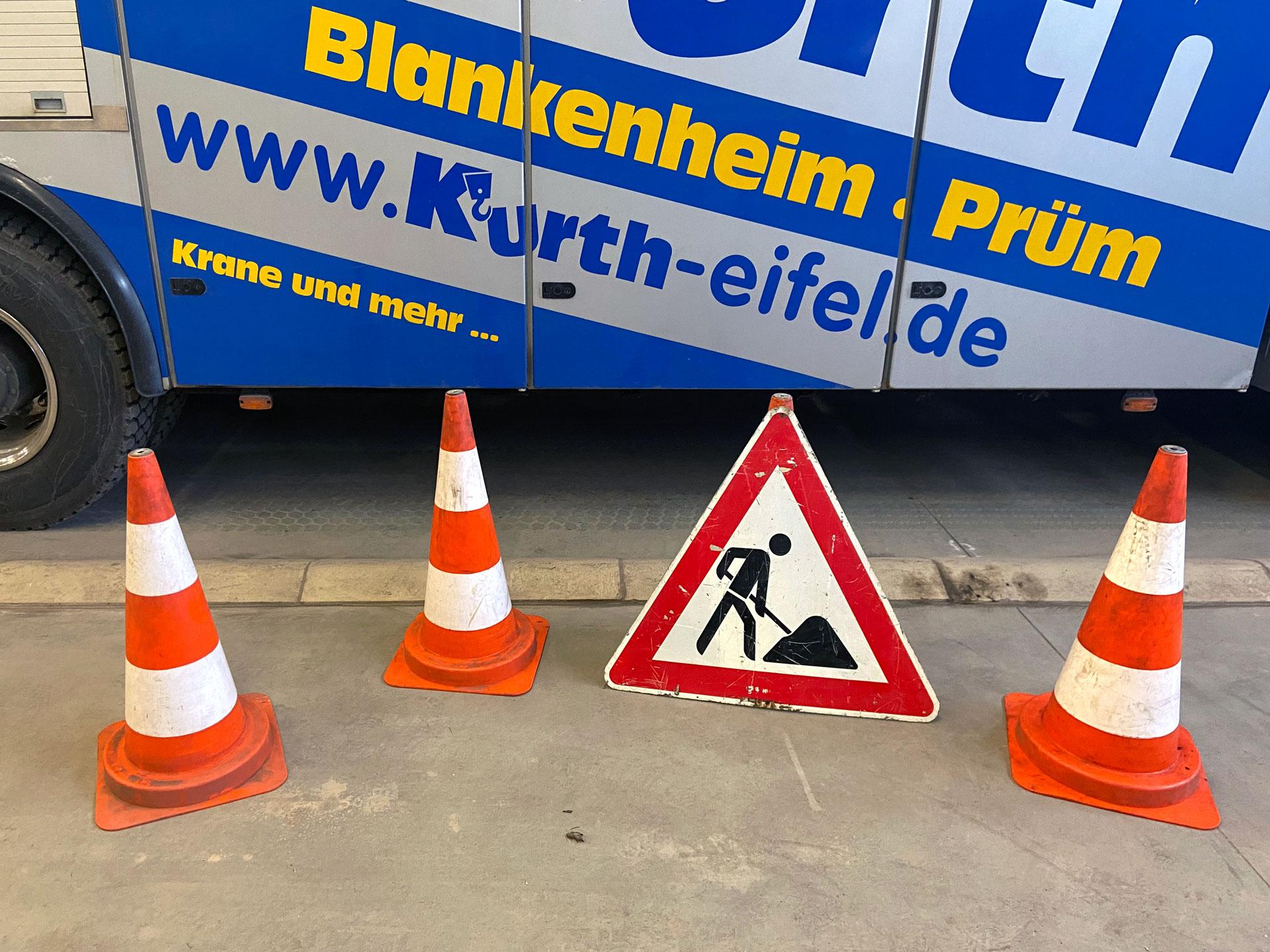 Kurth Autokrane GmbH & Co. KG   Absperrmaterial